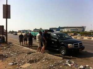 David made sure that regular stops on the well maintained highway between Alexandria and Cairo were obeyed … to shake the bones and refill refreshments….