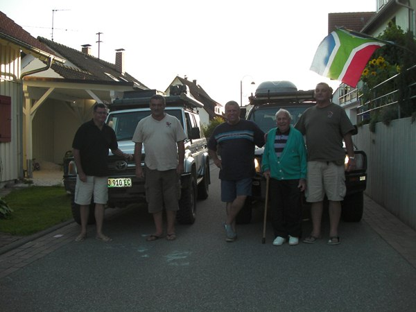 ..Arriving in Freudenstadt the team stopped at their oldest friend's house –Hans Ziegler- who put the South African Flag out of his balcony for the occasion..