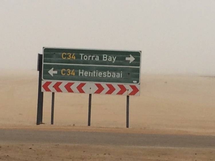outside temperature of 34 degrees in the desert only to wake up at the T – junction towards Henties bay.